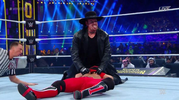 The Undertaker hace su aparición en Super ShowDown y derrota a AJ Styles